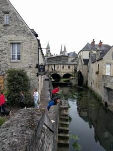Adrian auf der Suche nach dem nächsten Sujet in Bayeux