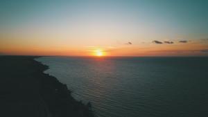 Ein letzter Sonnenuntergang in der Normandie